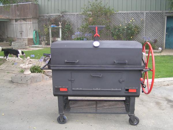 Custom Backyard Smokers : httpwwwextremebbqpitscombbqpitsgrillssmokerstrailerphp